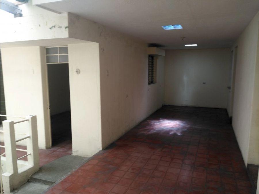 vendo casa en 27 calle zona 5