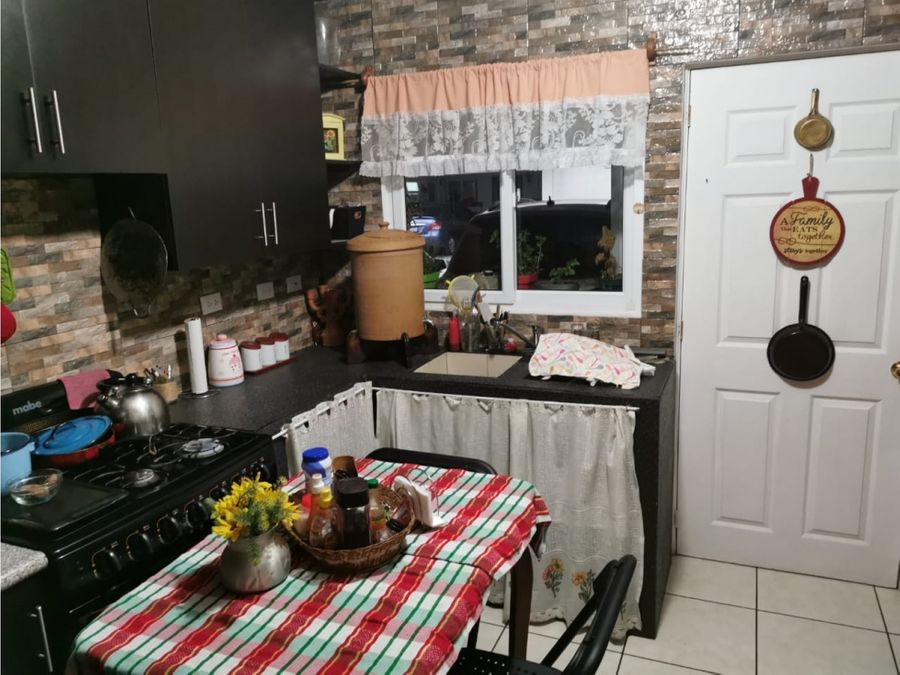 vendo casa en condado san nicolas zona 7