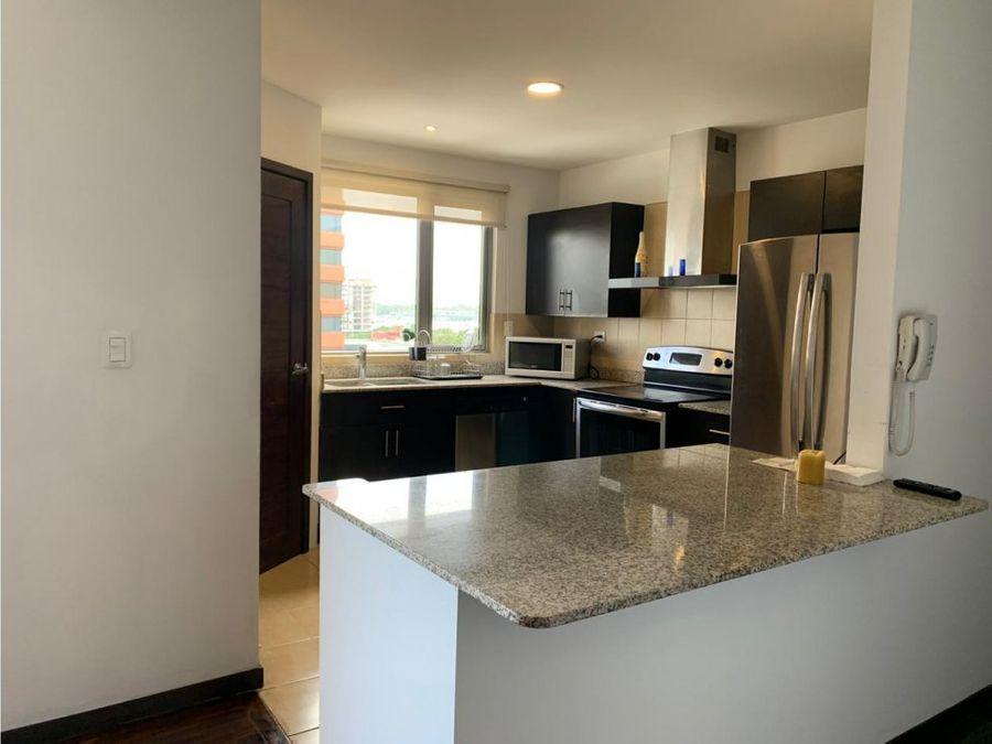 vendo apartamento en torre quattro zona 14