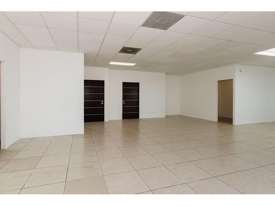 oficina amplia en renta en zona pradera zona 10