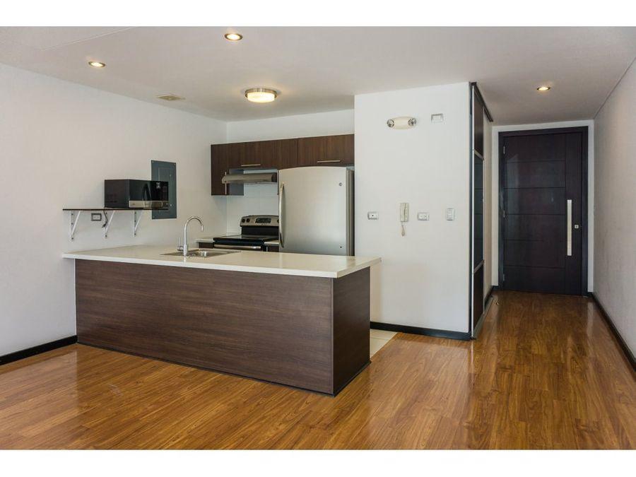 bonito apartamento con buenas vistas en zona 14