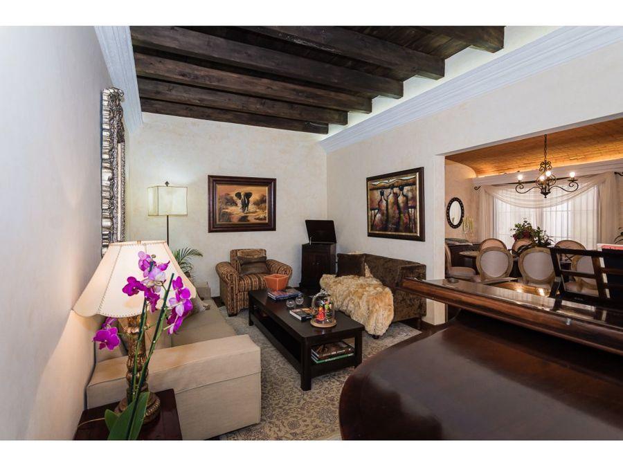 casa en venta en bonito residencial a 20 minutos de antigua