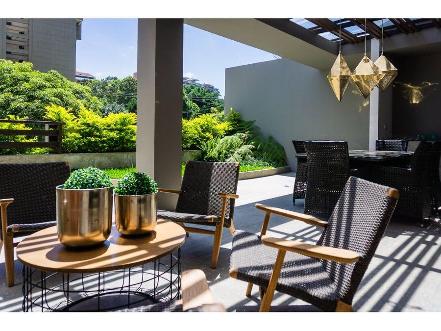 gran terraza con jardin en ikonia zona 14