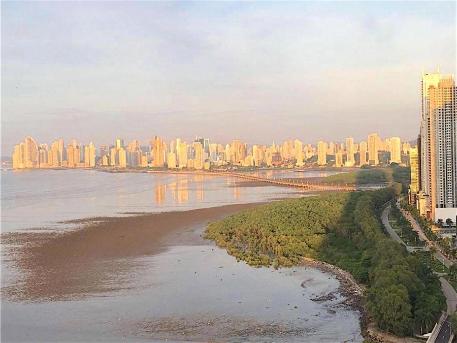 penthouse en venta en costa del este ciudad de panama