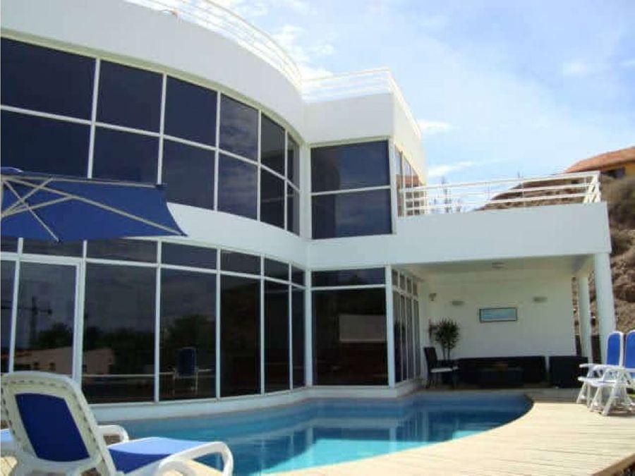 bella casa con vista al mar en urb casas del sol margarita