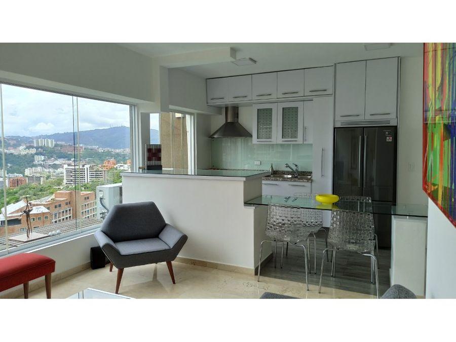 hermoso apartamento remodelado en colinas de bello monte