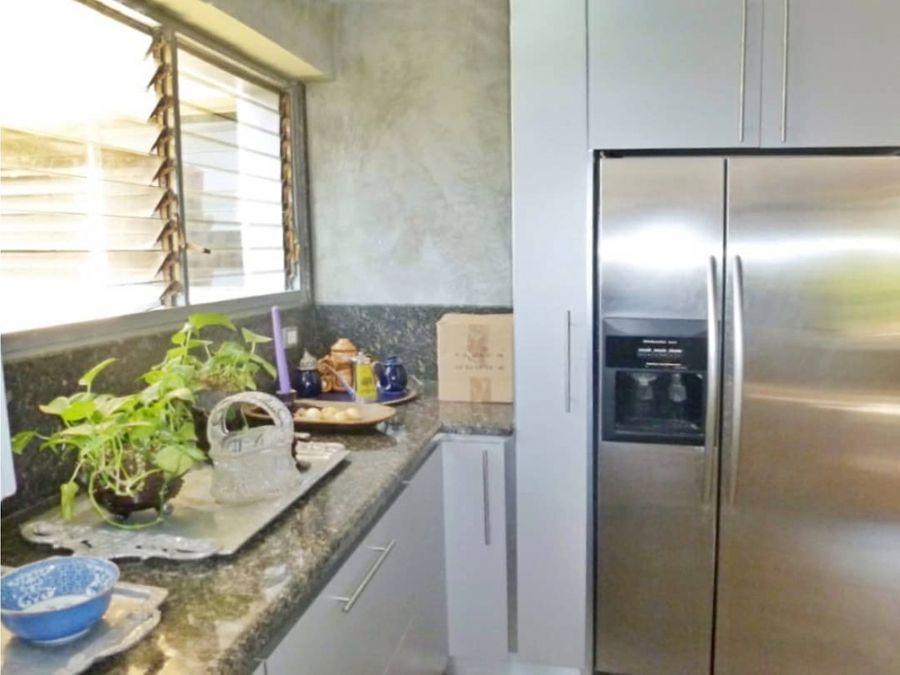 apartamento en alquiler o venta en sebucan con vista al avila
