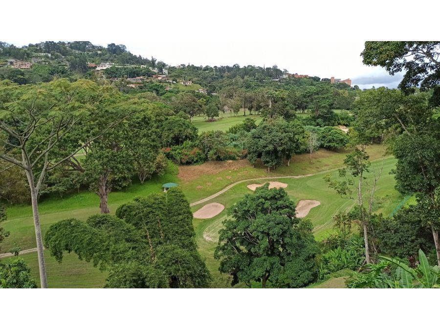 casa en venta en la lagunita con vista al campo de golf