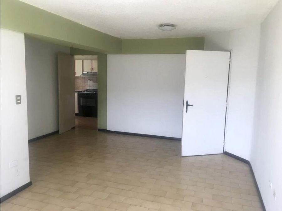 apartamento en alquiler en valle abajo cerca de la ucv
