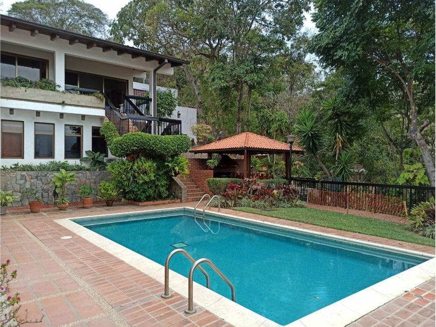magnifica casa en venta en la urbanizacion cerro verde