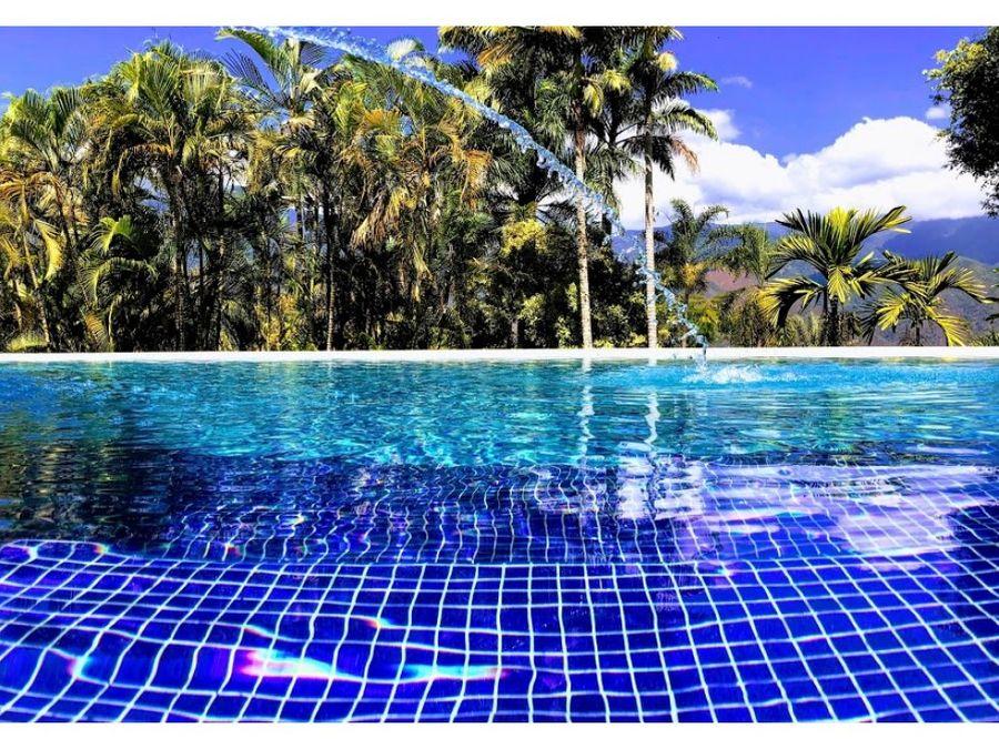 magica hacienda el zaudin con piscina y caballerizas