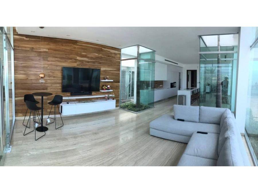 espectacular villa en lecheria de una sola planta con piscina