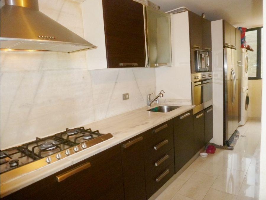venta apartamento en colinas de la tahona actualizado