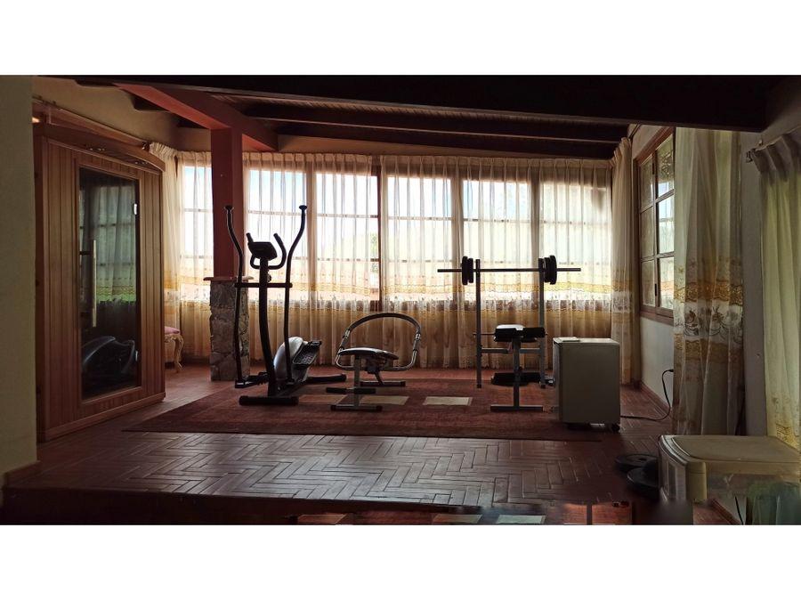 bella casa en el junko country club