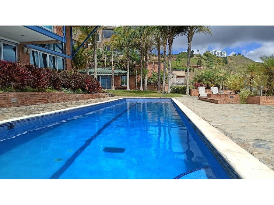 bella casa actualizada en oripoto con piscina gimnasio y vista 360
