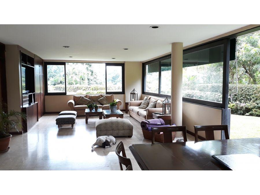 bella casa en venta en chuao