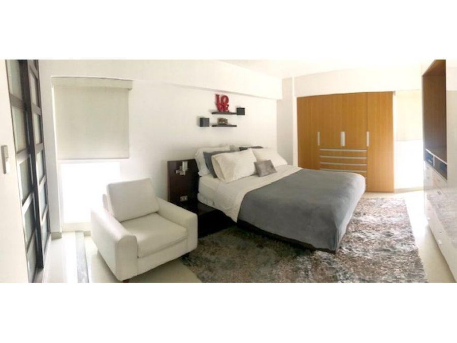 apartamento actualizado en venta en lomas de prados del este
