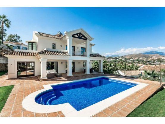 villa chalet en venta en nueva andalucia