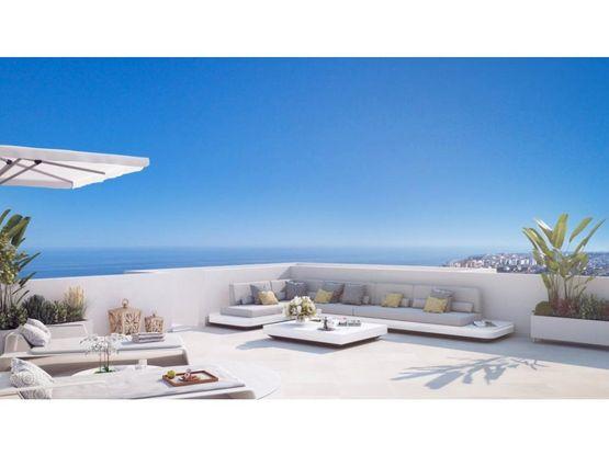 apartamentos de golf torre del mar en venta
