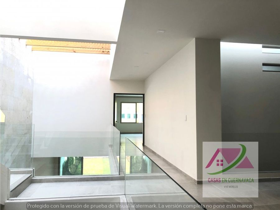 casa independiente en privada acabados modernos