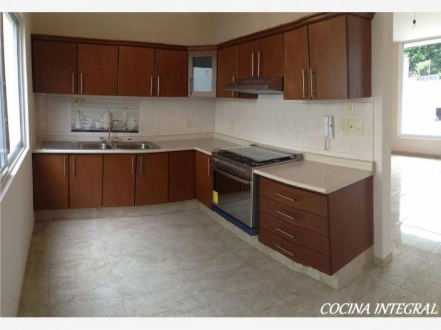 venta de casa en condominio volcanes