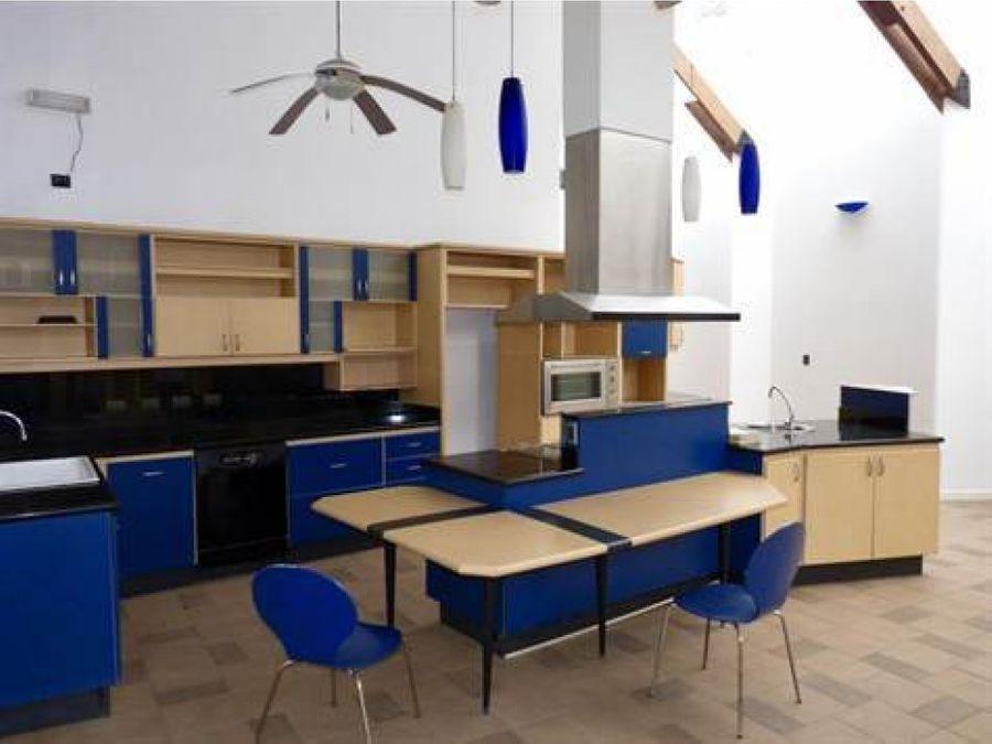 grande casa estilo moderna en residencial