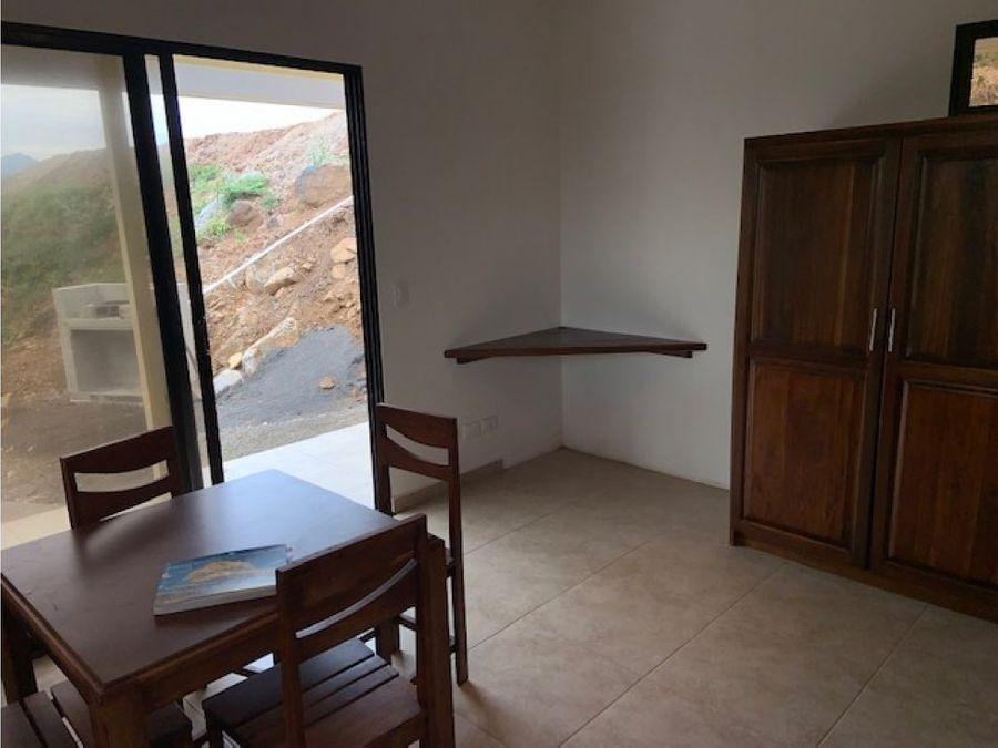 casita en residencial de atenas con vistas