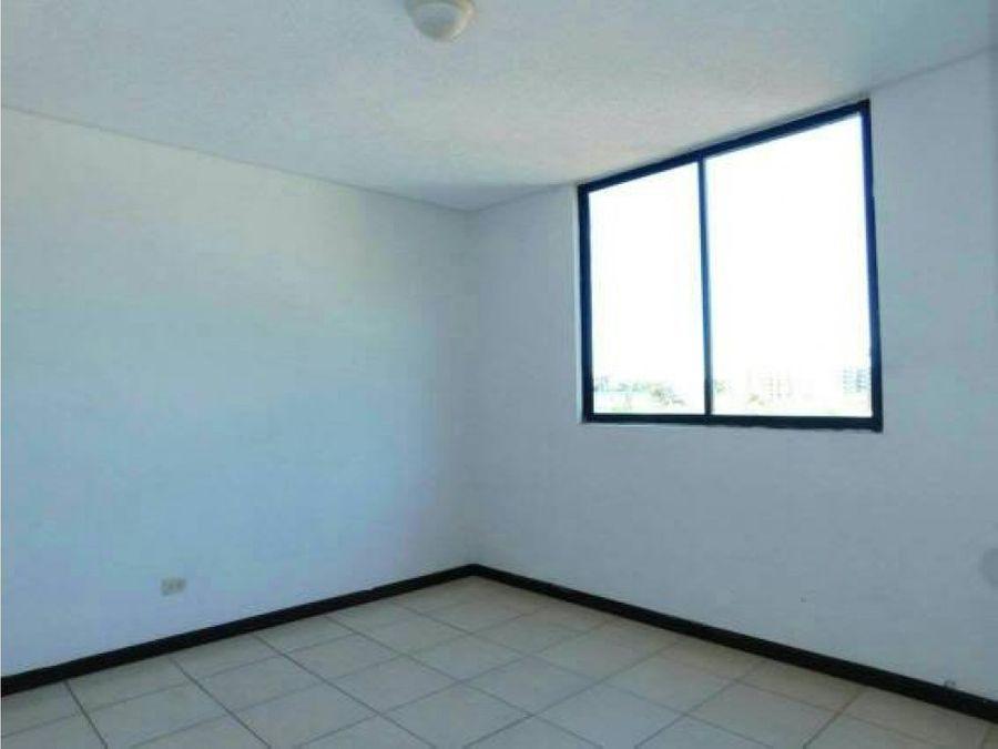 alquilo apartamento 2 hab en bosque real alaj
