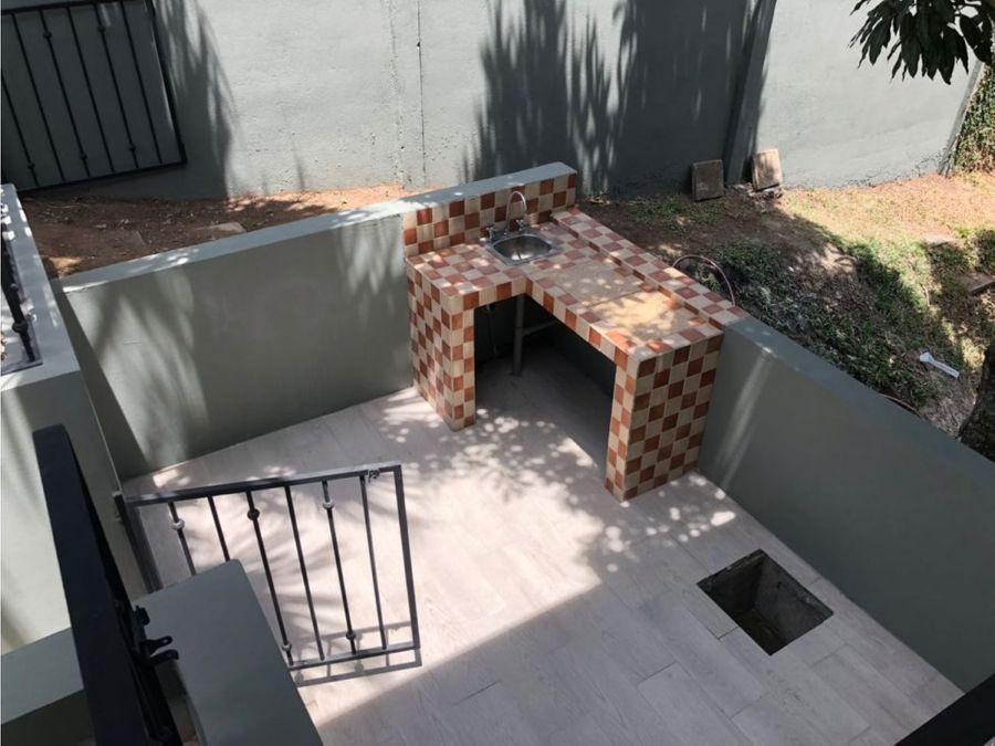 casa con piscina propia en santa ana