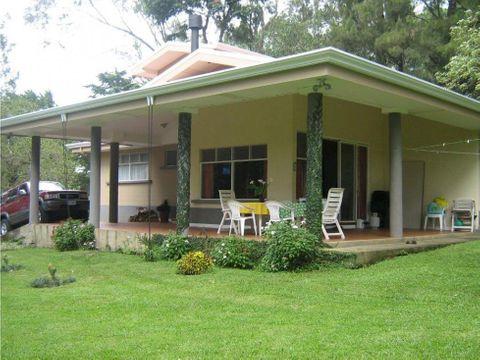 preciosa casa quinta en las chorreras heredia