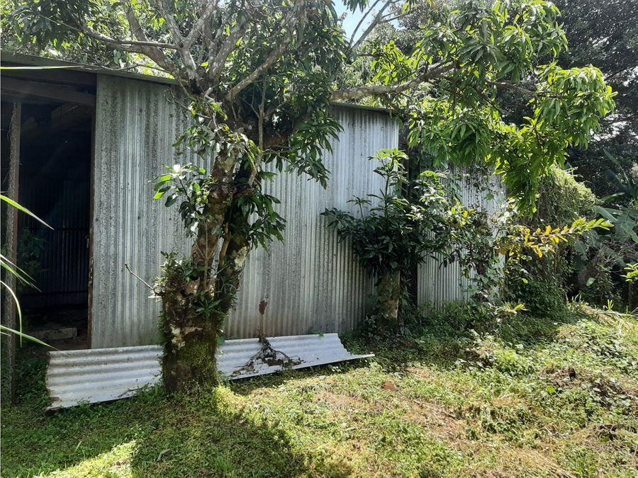 linda quinta con casa en calle zapata barva
