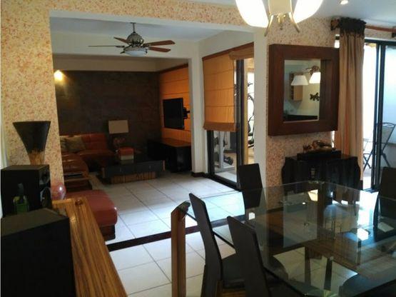 casa amoblada en condominio 1400 en santa ana