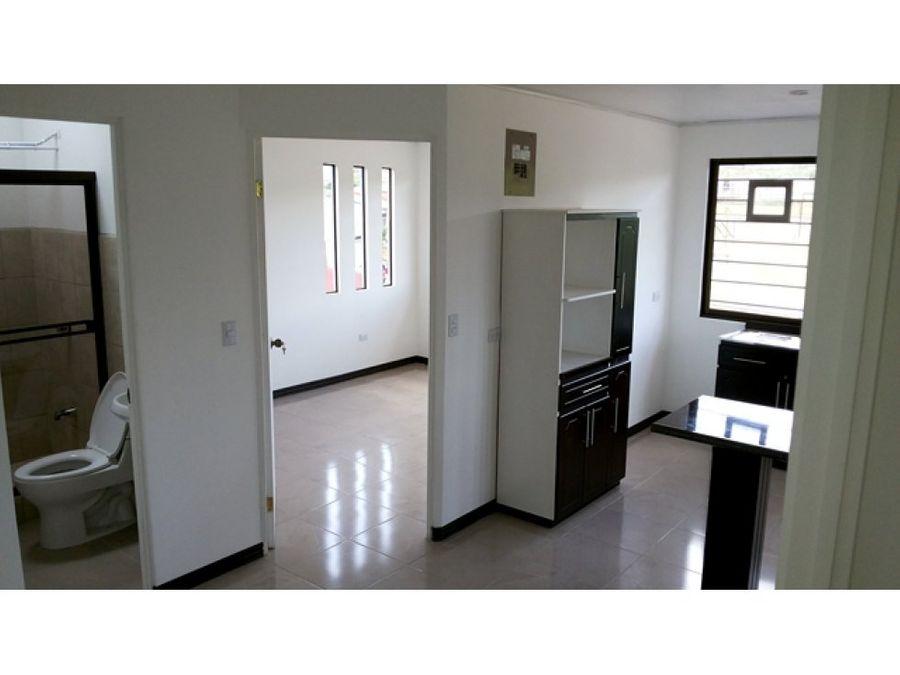 casa con 2 apartamentos en san francisco heredia