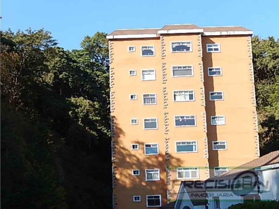 apartamento en zona 13 edificio monte azul