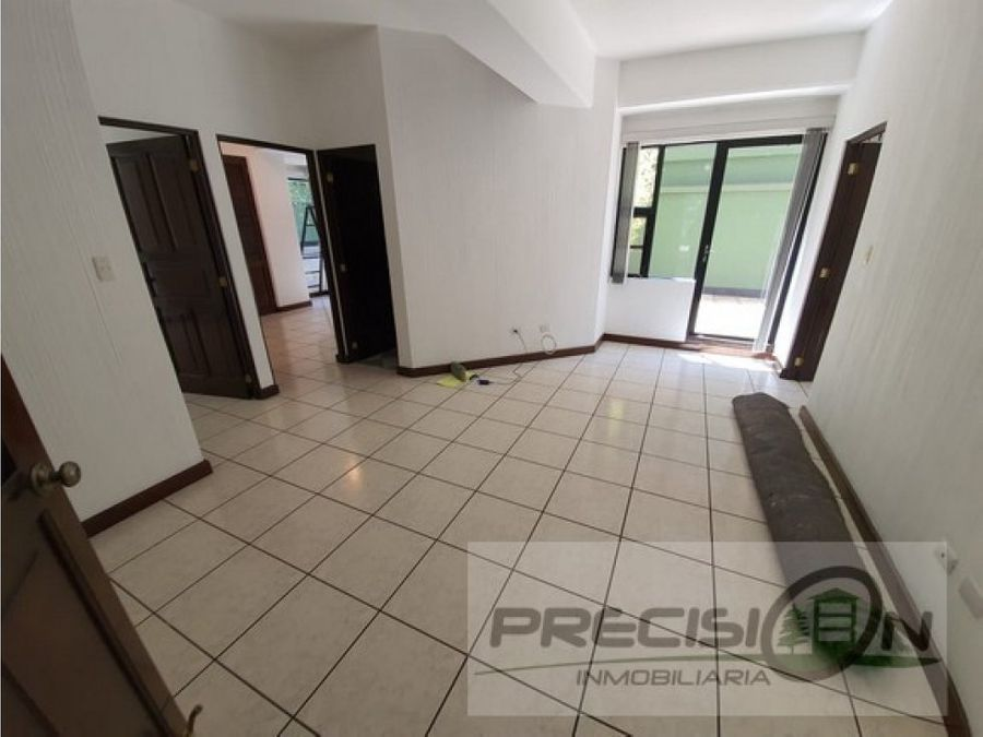 apartamento con pequena terracita zona 15 real victoria