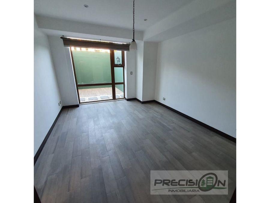 apartamento con jardin en alquiler zona 16 san isidro 20 21