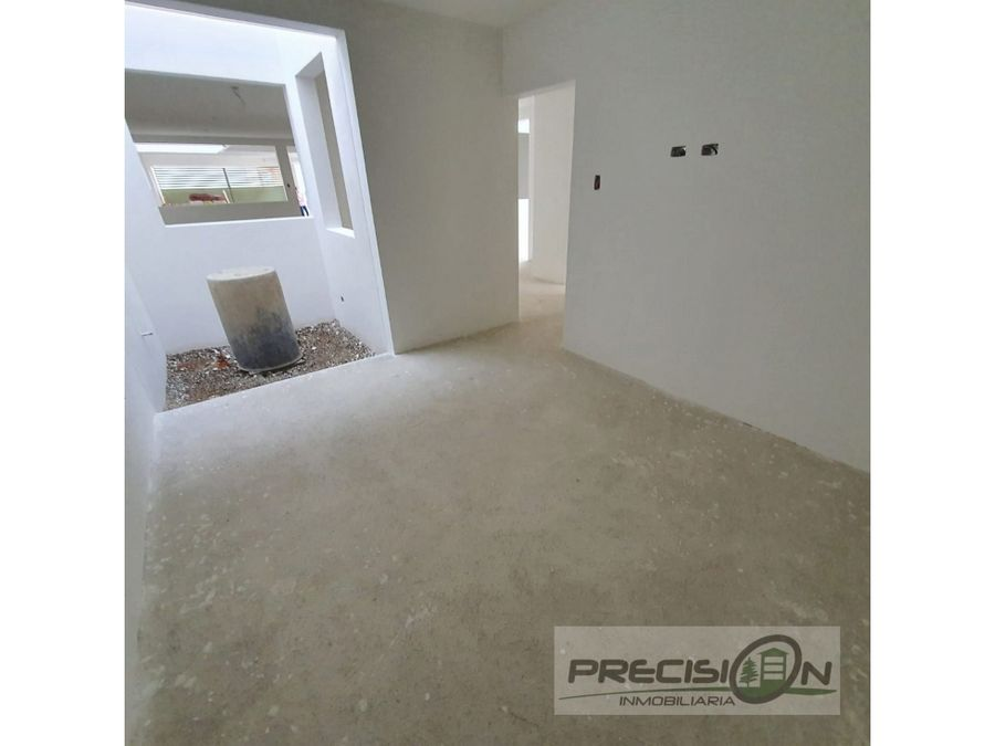 apartamento en primer nivel alquiler zona 16 hacienda real
