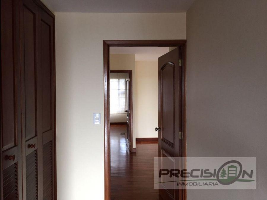 apartamento en alquiler zona 14 edificio almeira