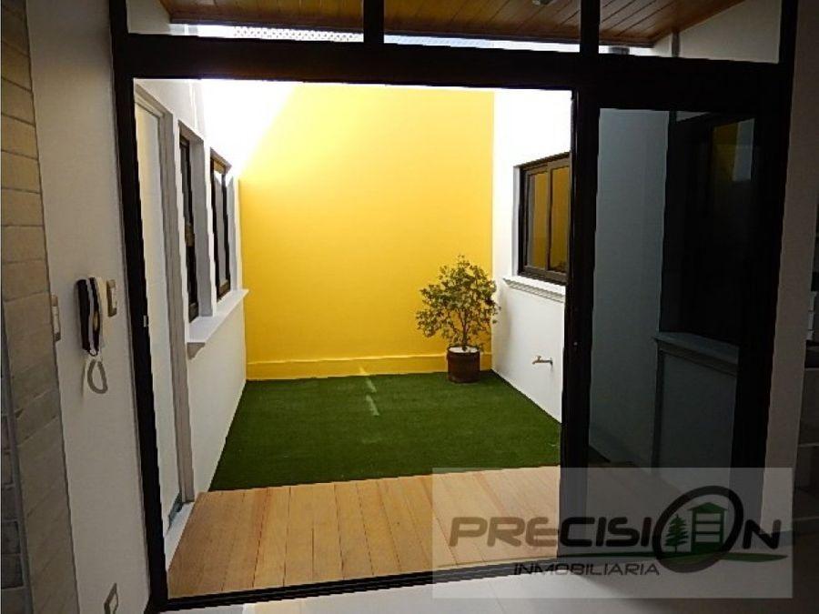 casa en venta en zona 16 puerta de hierro