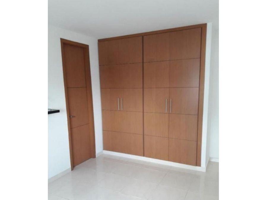 vende apartamento amoblado en la castellana