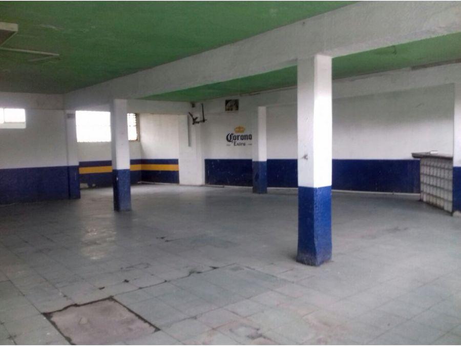 renta de local de 300 m2 en zona centrica
