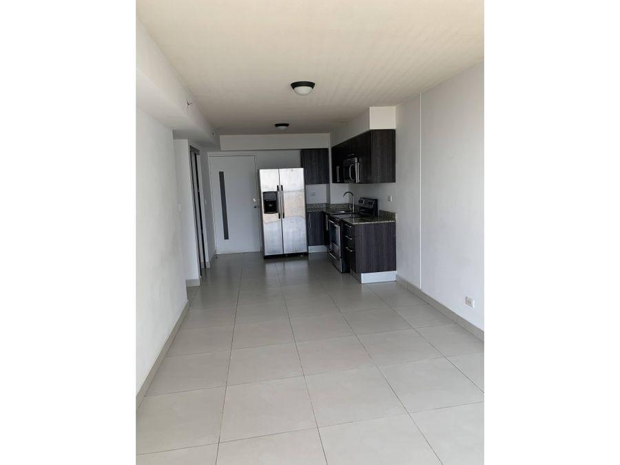 alquiler apartamento en condominio