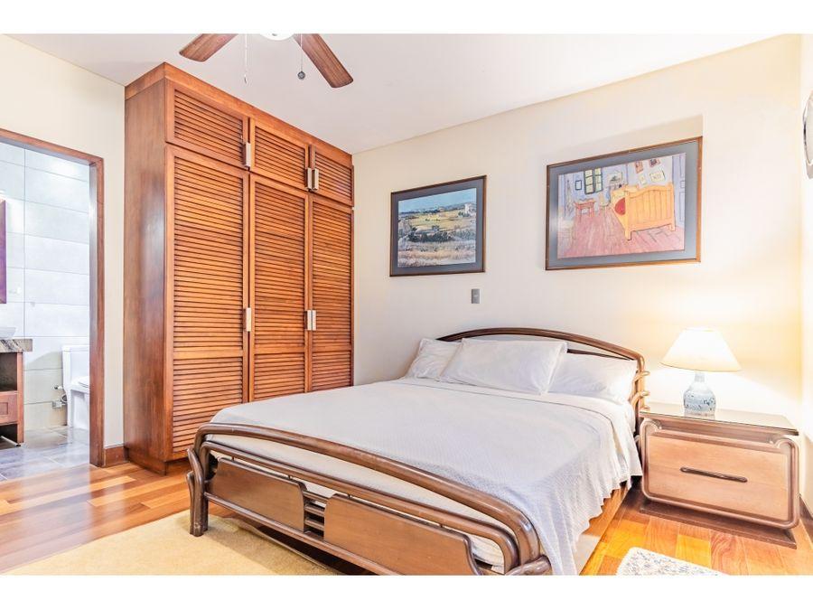se vende casa en condominio montenegro alajuela