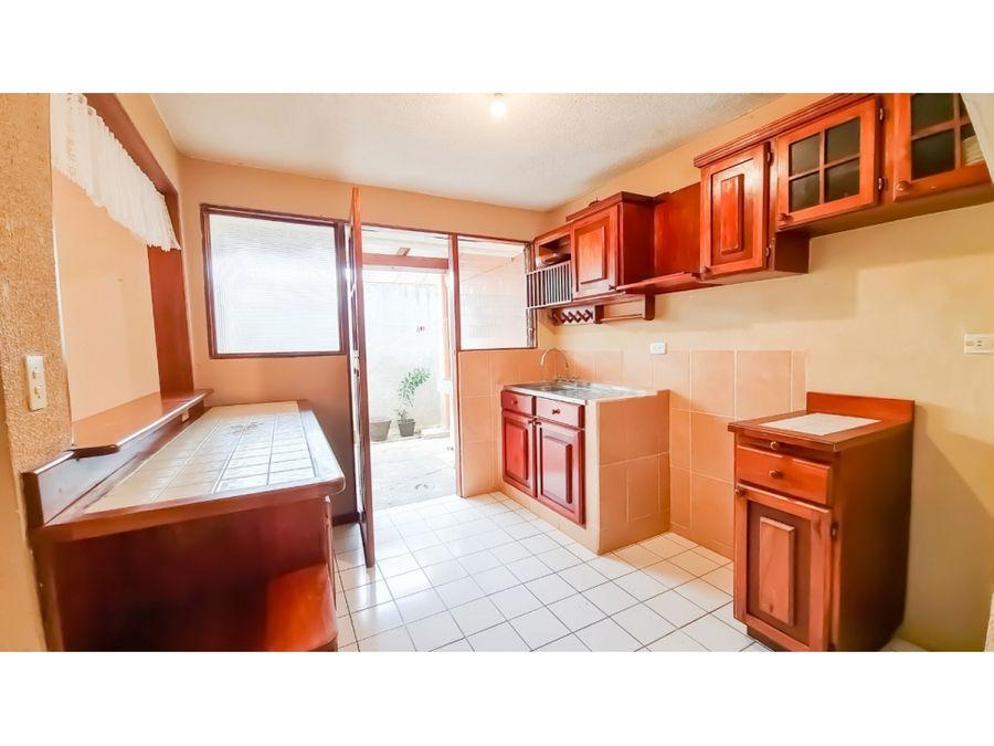 se vende casa en residencial malaga en sabanilla san jose