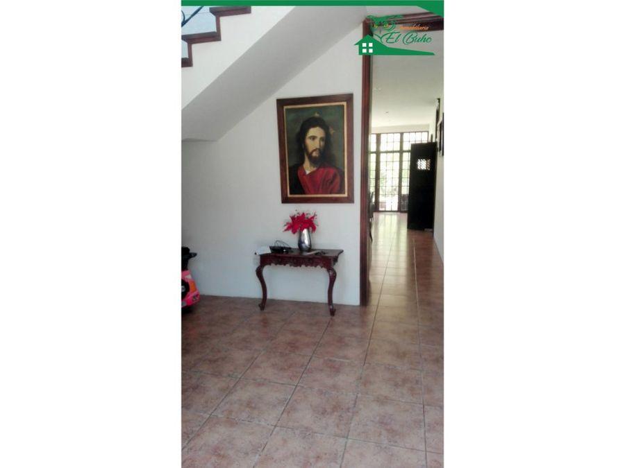 alquilo linda casa urb cocos del chipe piura