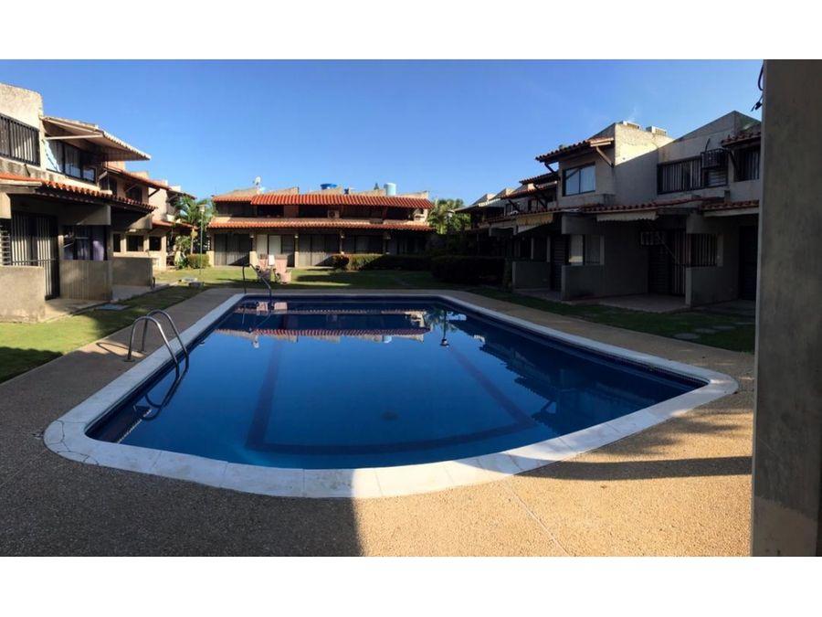 town house en higuerote