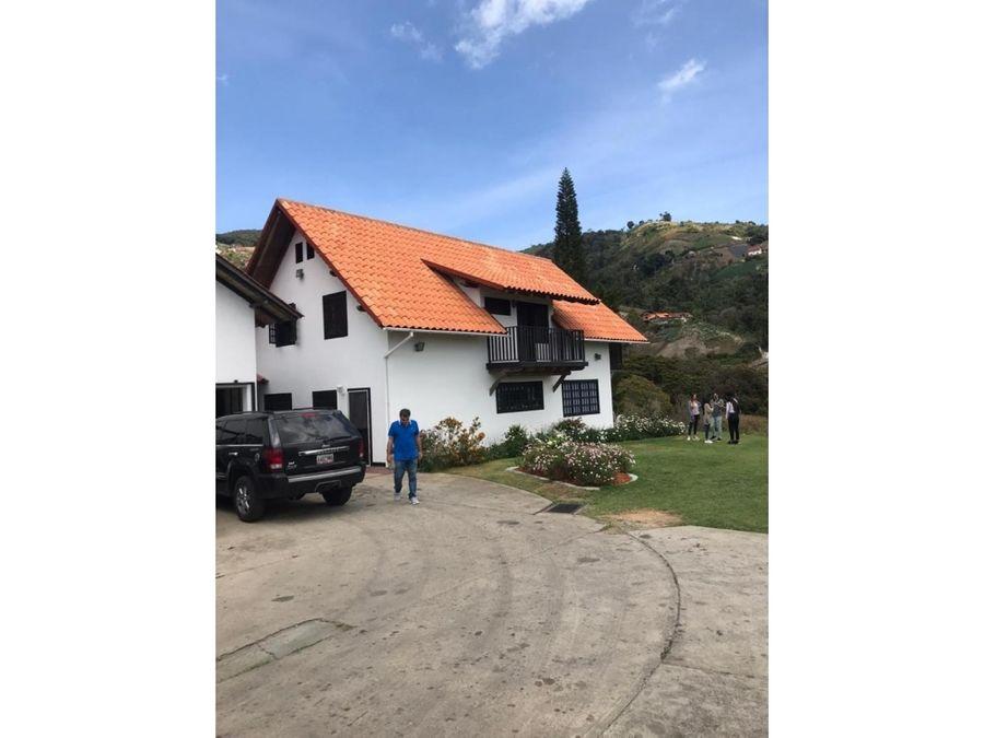 excelente y bella casa con terreno colonia tovar