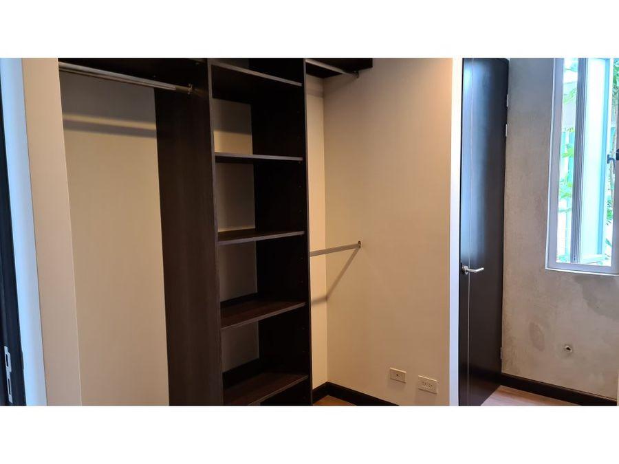alquiler en escazu san rafael 2 habitaciones 2 banos 2 paqueos