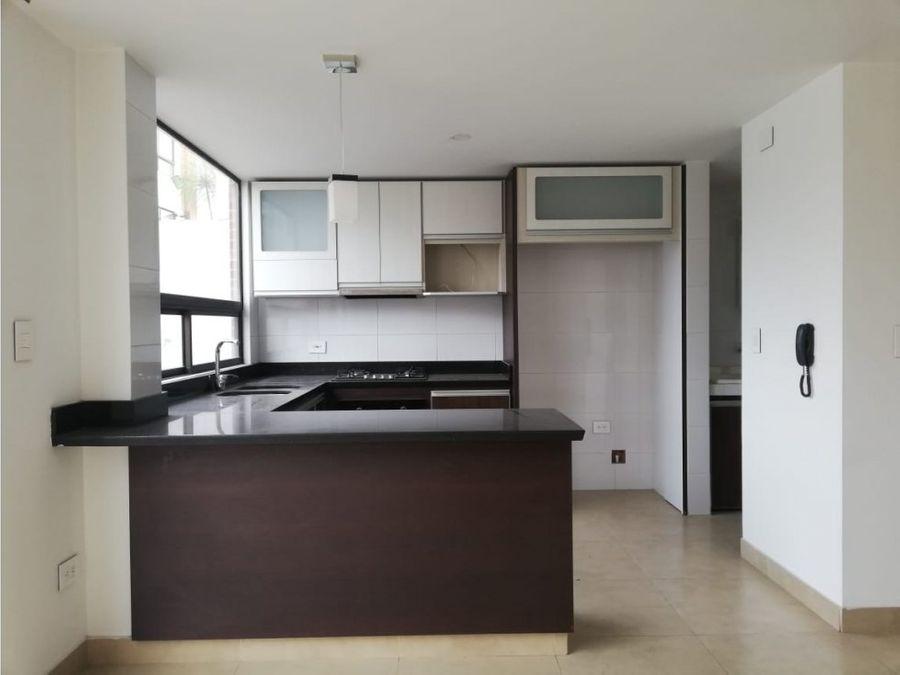 se vende casa en chia central excelente precio