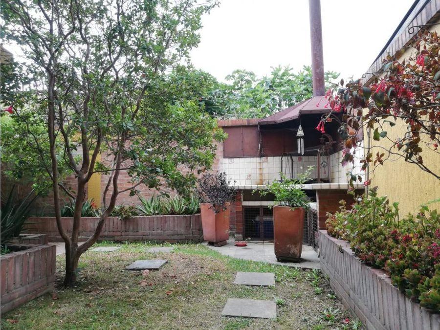 se vende casa en chia av chilacos zonas verdes